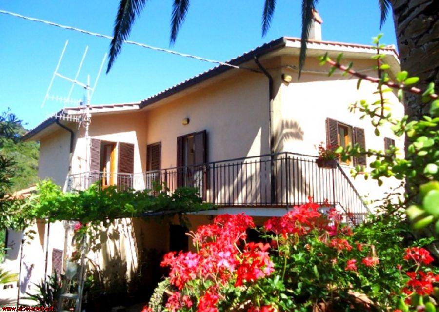 Appartamenti villa corsetti affitto capoliveri rif 963 for Appartamenti budoni affitto agosto