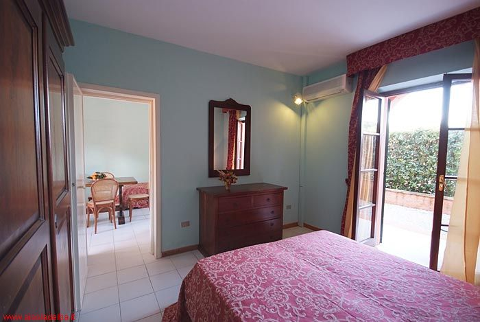 Residence villa san giovanni portoferraio isola d 39 elba for Amaretti arredamenti villa san giovanni