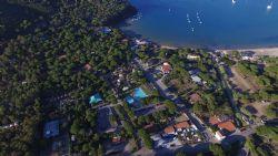 Veduta aerea del Camping Lacona Pineta