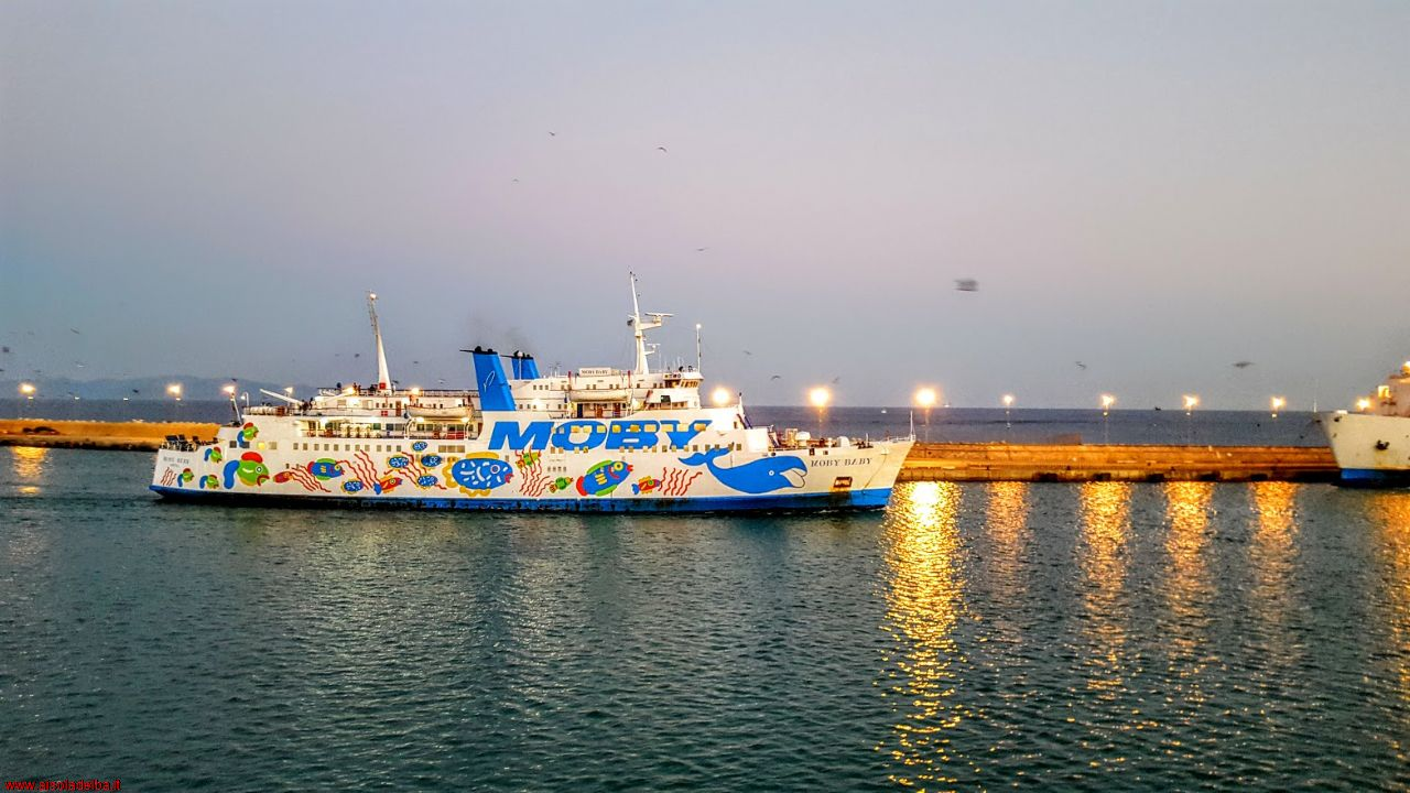 Moby Baby in navigazione La nave Moby Baby arriva a Piombino