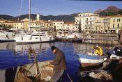 Pescatori a Porto Azzurro